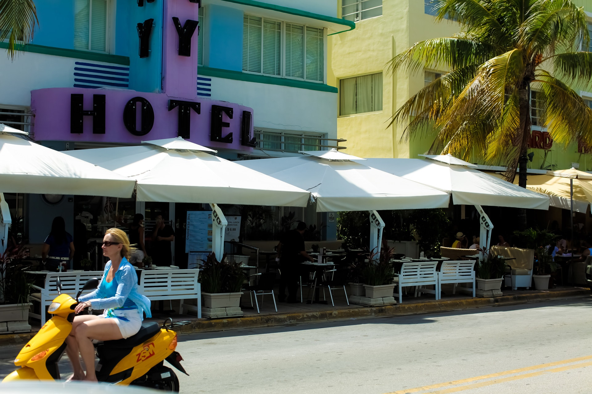 south-beach-miami-street