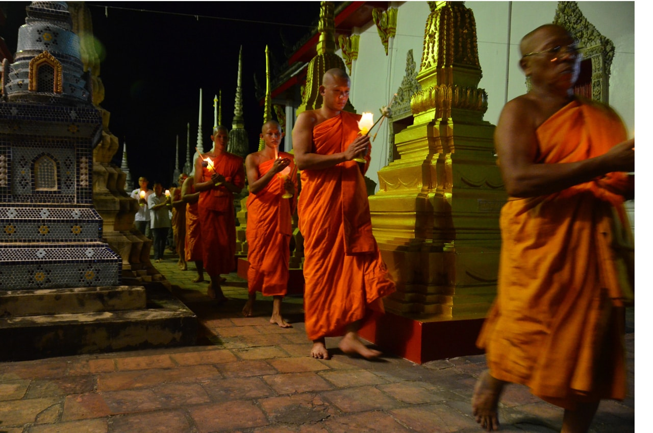 phuket-language-school-patong-buddhist-monks