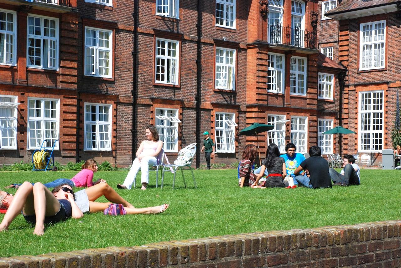 regents-students-campus studera london skådespel drama teater film media regents-school-of-drama-film-media