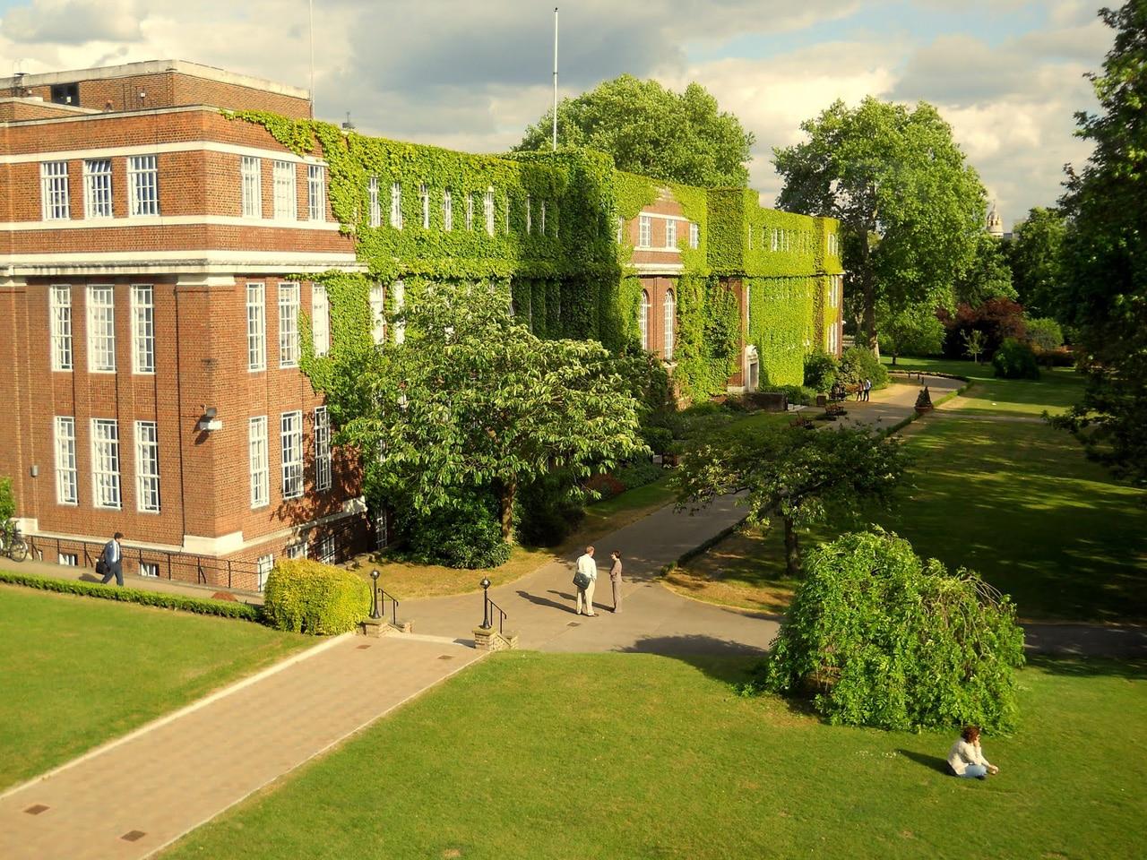 studera london regents-university-london