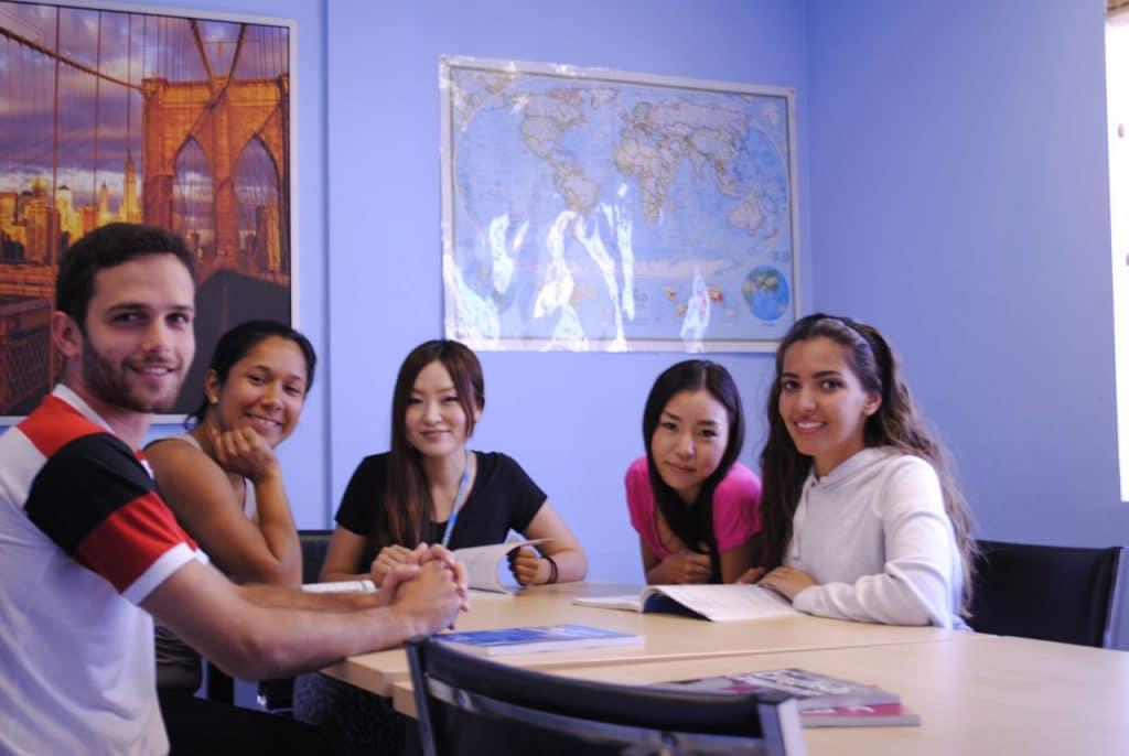 studenter engelska språkskola usa santa monica