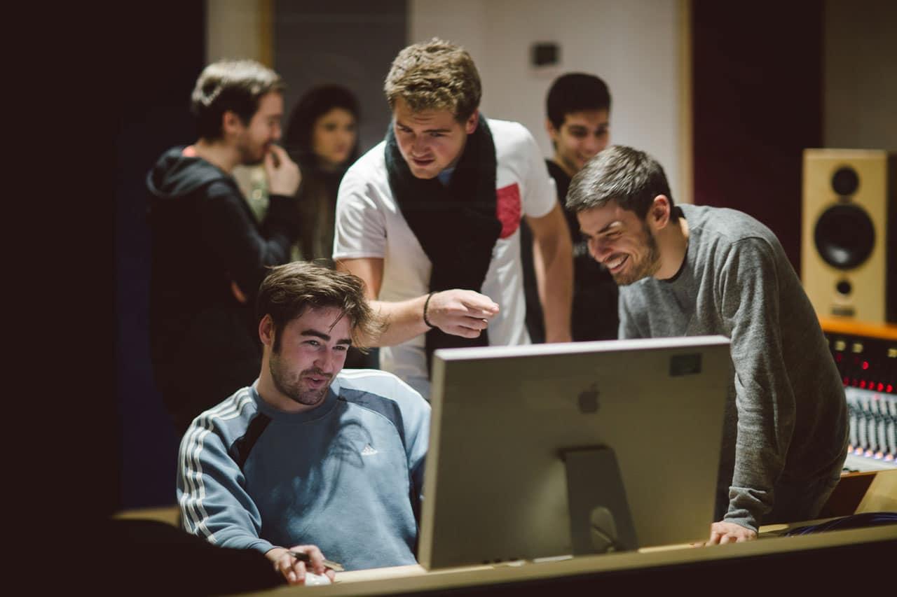 studera creative media utomlands sae institute