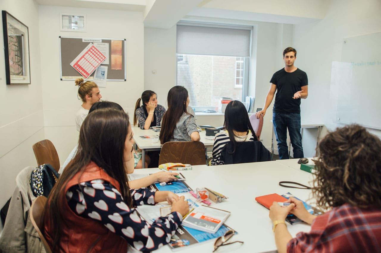 språkkurs engelska london med fashion design konst university of the arts